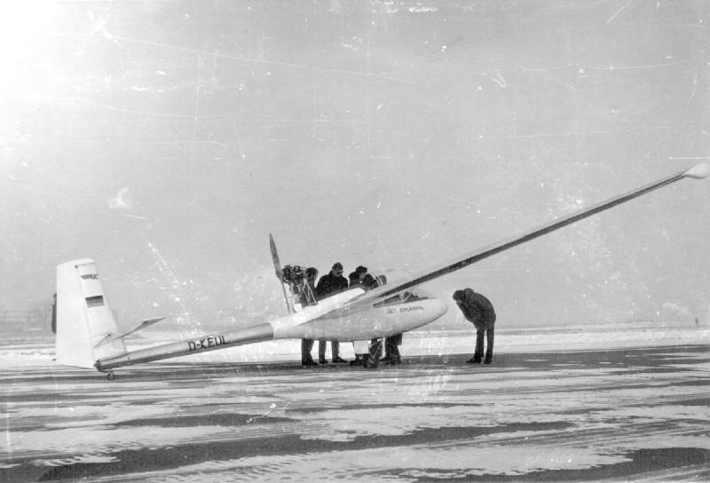 AK-1 Erstflug